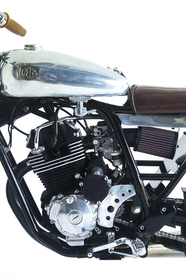 Мастерская Deus Ex Machina собрала новый мотоцикл на базе Yamaha SR400. Изображение № 4.