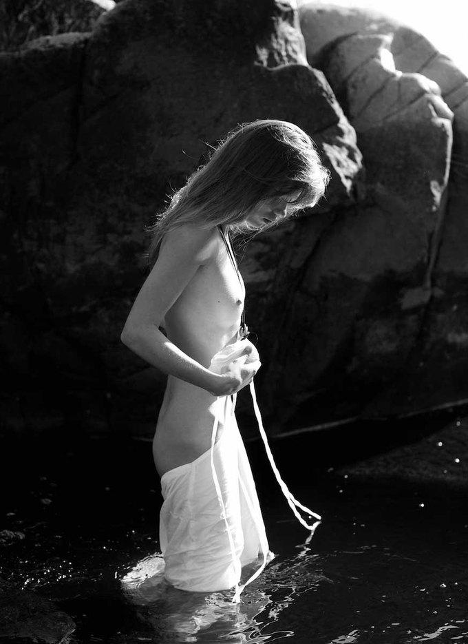 Аттилио Д'Агостино сфотографировал Светлану Клак для нового номера журнала Polanski. Изображение № 5.