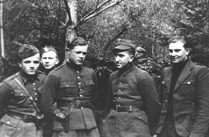 Последний герой: Солдаты, продолжавшие сражаться после окончания войны. Изображение № 4.