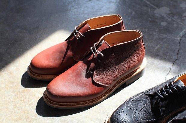Дизайнер Марк МакНейри и петербургский магазин Mint выпустили совместную коллекцию обуви. Изображение № 9.