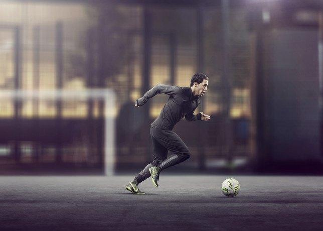 Nike представила новую версию бутс Elastico Superfly на текстильной основе. Изображение № 10.