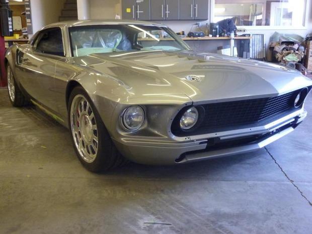 Американская мастерская изготовила гибрид маслкара Ford Mustang Mach 1 и спорткара GT40. Изображение № 9.