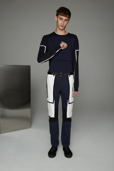 Марка Opening Ceremony выпустила лукбук весенней коллекции одежды. Изображение № 10.