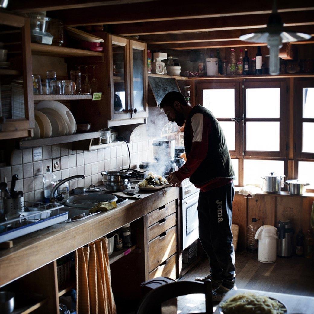 Фотопроект: Как испанские нудисты и нью-эйджеры восстанавливают заброшенные селения. Изображение № 10.