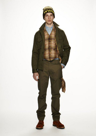 Марка Woolrich Woolen Mills опубликовала лукбук осенней коллекции одежды. Изображение № 5.