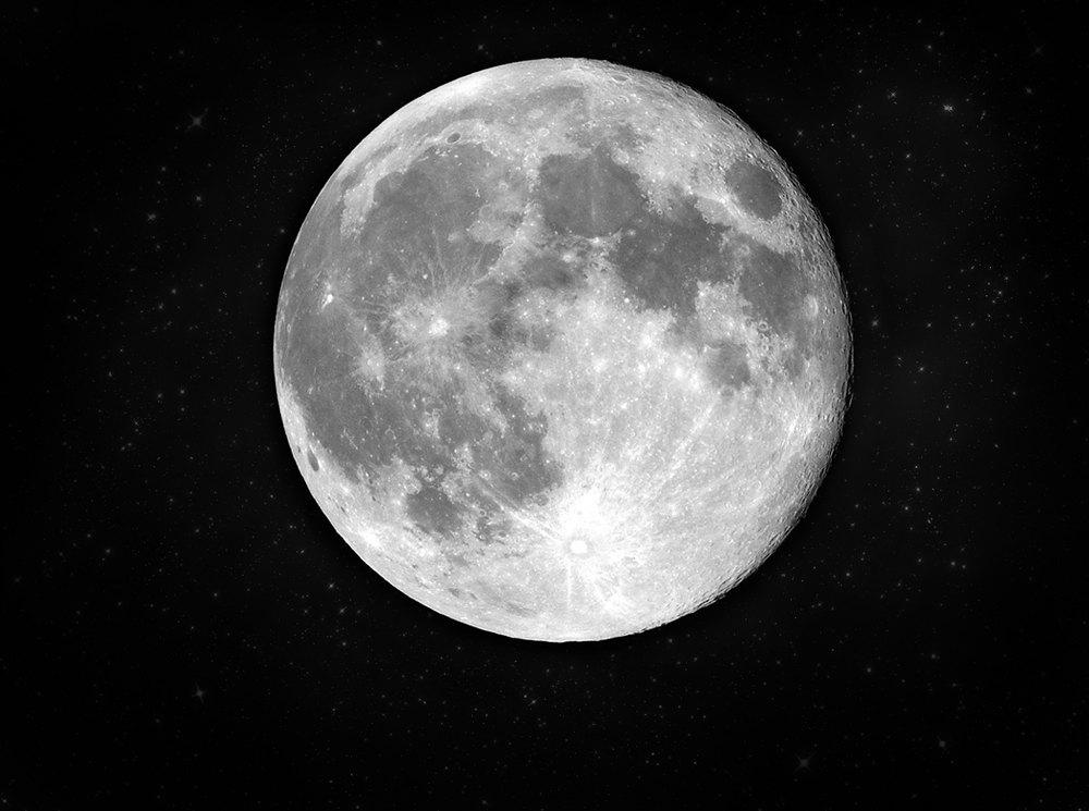 Космический мусор: Ботинки, фотоаппарат Hasselblad и другие предметы, найденные NASA на Луне. Изображение №2.