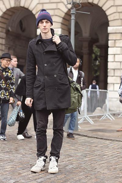 Уличный стиль на неделе моды в Лондоне. Изображение № 33.