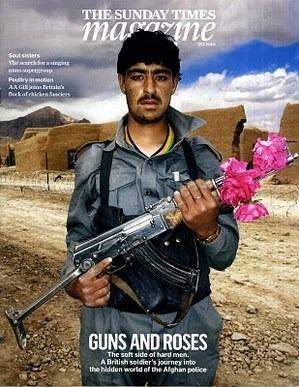Британские художники представили миролюбивые модификации АК-47. Изображение № 2.
