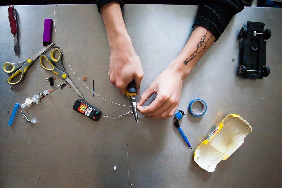 Как сделать тату машинку в домашних условиях своими руками 880
