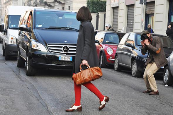 Изображение 37. Шарфы, клатчи, клетчатые пиджаки и подвернутые джинсы.. Изображение № 43.