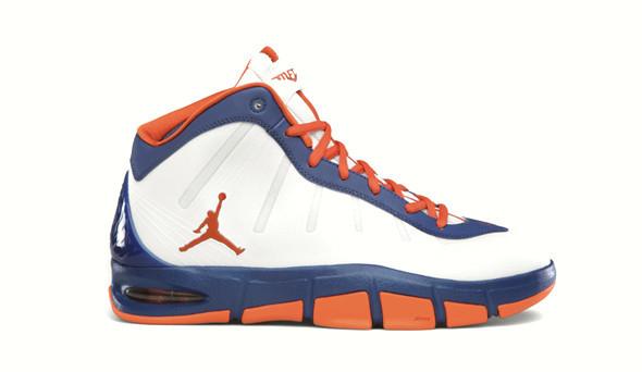 Поставить на ноги: 25 именных баскетбольных кроссовок. Изображение № 37.