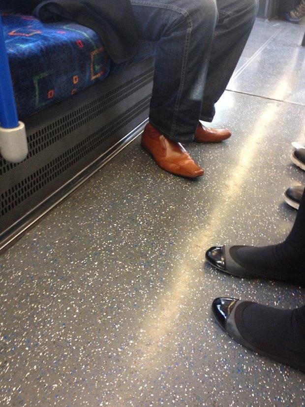 Jeans and Sheuxsss: Еженедельные обзоры худших сочетаний обуви и джинсов. Изображение № 22.
