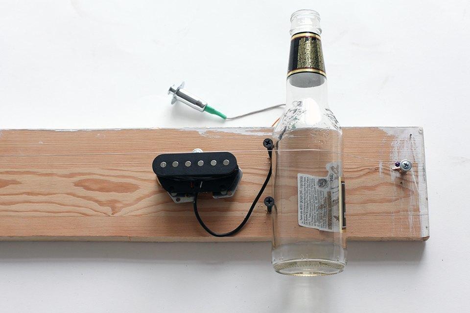 Как изготовить примитивную гитару диддли-бо в домашних условиях. Изображение № 8.