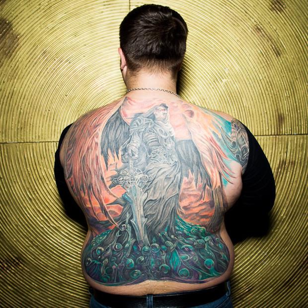 Разговоры за спиной: Обладатели «забитых» спин рассказывают о сюжетах своих татуировок. Изображение №2.