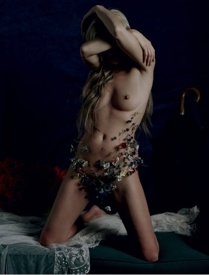 Кейт Мосс снялась для журнала LOVE Magazine. Изображение № 10.