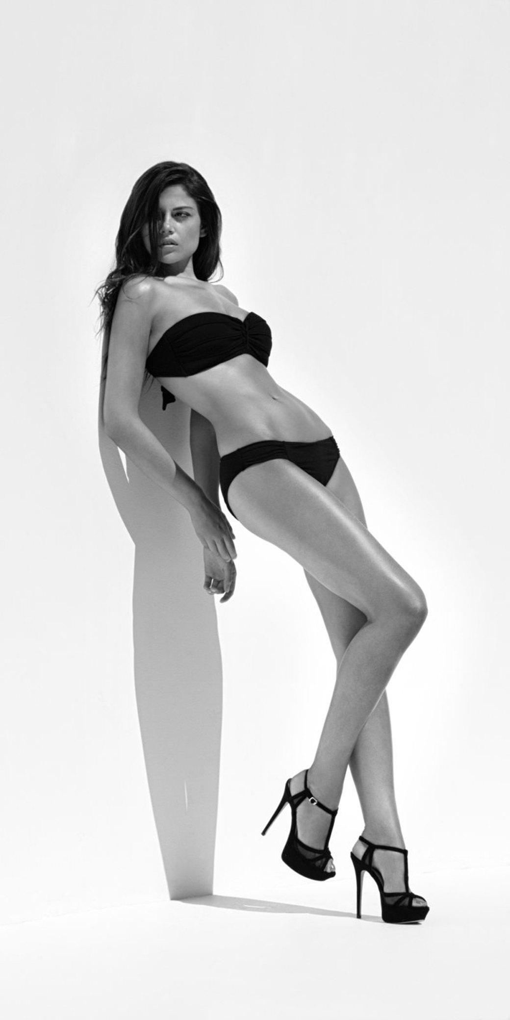 Майкл Пламридж сфотографировал Лорен Гаррисон для нового номера журнала Wolf Magazine. Изображение № 4.