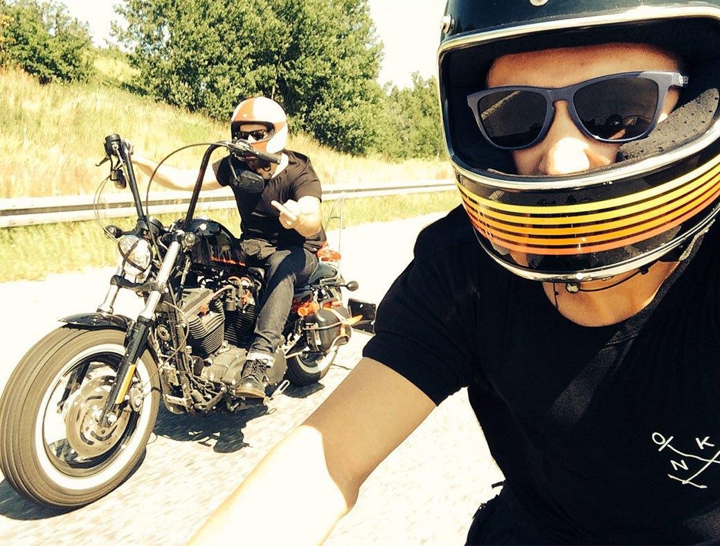 Как мы проехали всю Европу на мотоциклах, чтобы посёрфить у берегов Исландии. Изображение № 5.