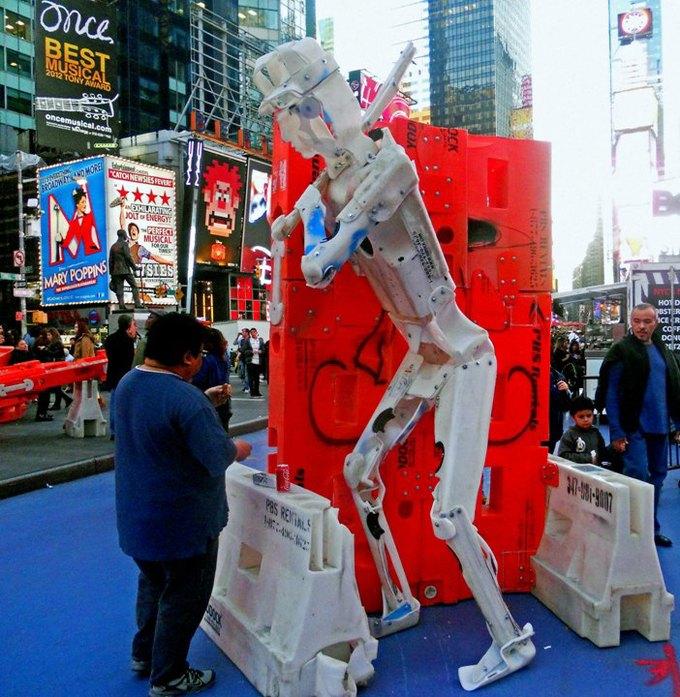 Уличные скульптуры, созданные неизвестными. Изображение № 12.