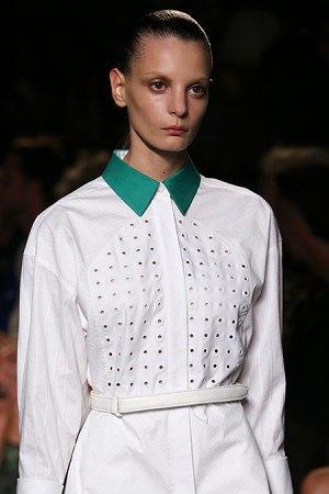 Александр Вэнг представил одежду, вдохновлённую дизайном сникеров. Изображение № 9.