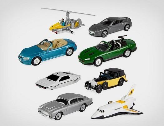 Вышел набор миниатюрных моделей автомобилей Джеймса Бонда. Изображение № 1.