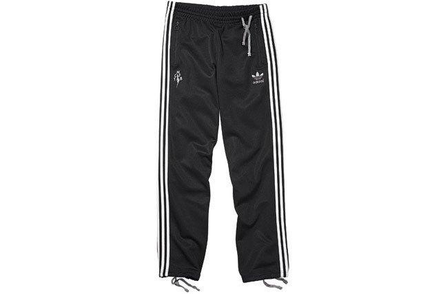 Марка Adidas и дизайнер Марк МакНейри представили совместную коллекцию одежды. Изображение № 24.