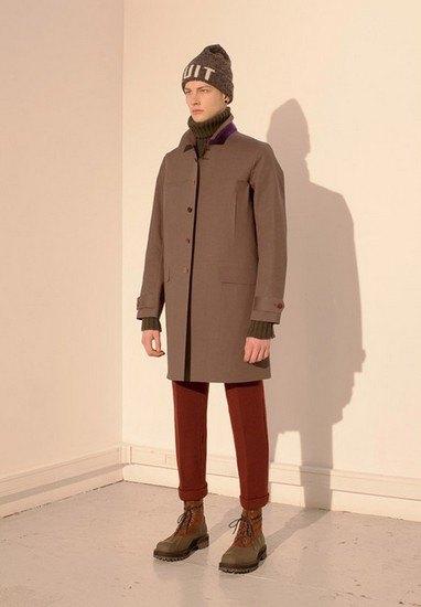Марка Undercover опубликовала лукбук осенней коллекции одежды. Изображение № 12.