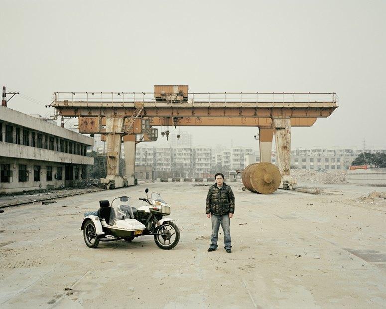 В люльке: Владельцы мотоциклов с колясками на фоне пейзажей Шанхая. Изображение № 11.
