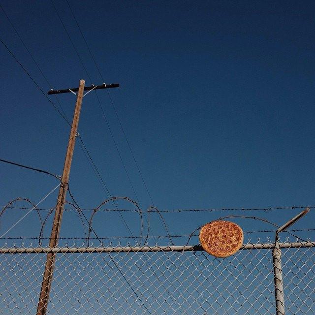 Pizza in the Wild: Приключения пиццы пепперони в проекте Джона Пола Дугласа. Изображение № 3.