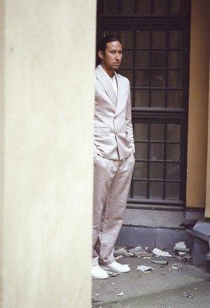 Марка Our Legacy выпустила лукбук весенней коллекции одежды. Изображение № 9.