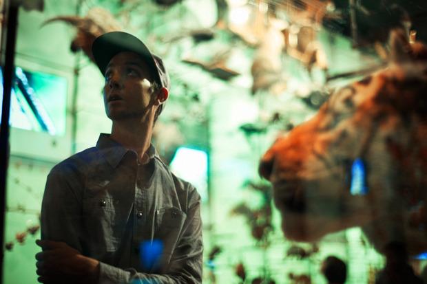 Марка Huf сняла второй осенний лукбук в Американском музее естественной истории. Изображение № 5.