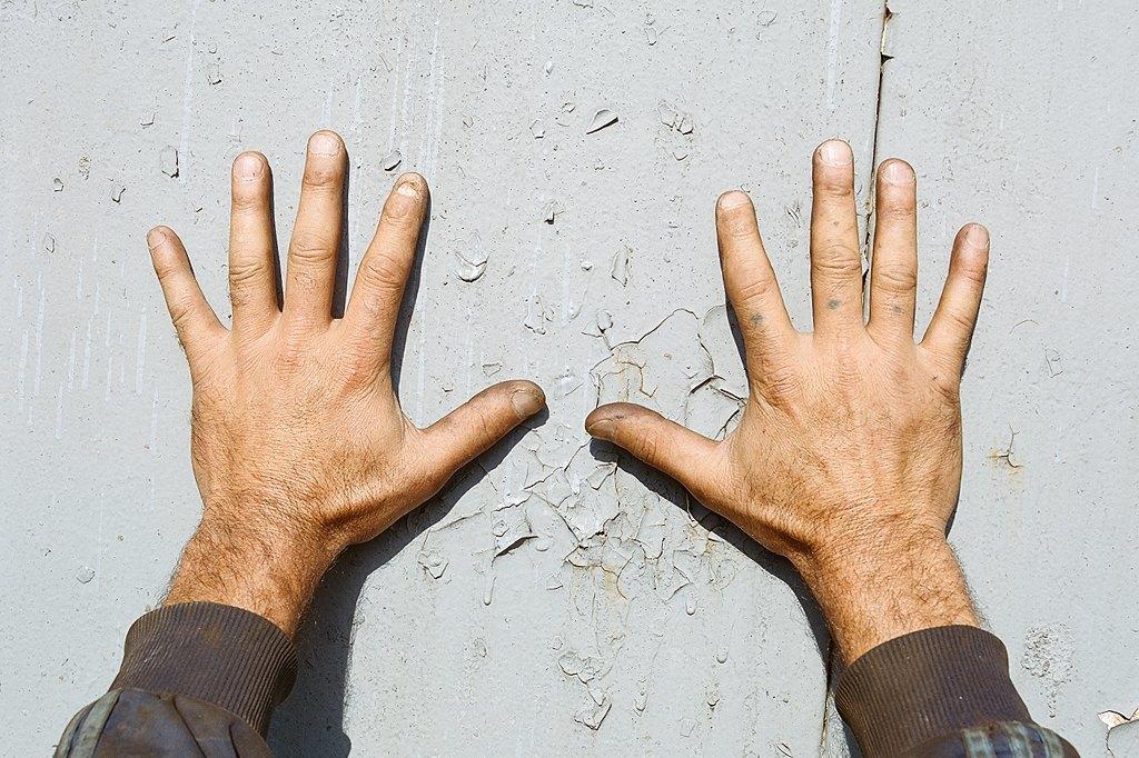 Нейл-арт недели: Руки московских рабочих. Изображение № 3.