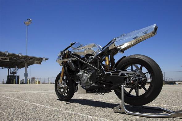 Дженерал Моторс: 10 самых авторитетных мотомастерских со всего мира. Изображение №92.