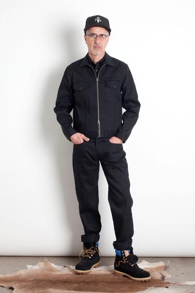 Дизайнер Марк МакНейри выпустил лукбук осенне-зимней коллекции одежды. Изображение № 1.