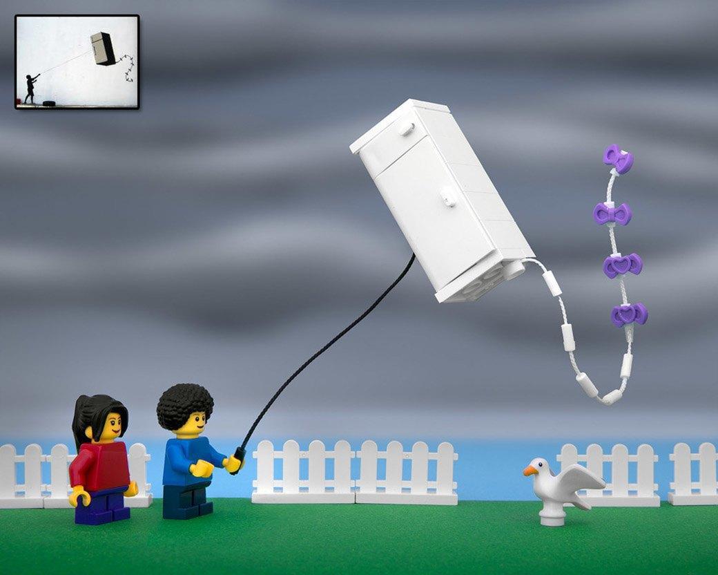 Bricksy: Работы Бэнкси из конструктора LEGO. Изображение № 12.