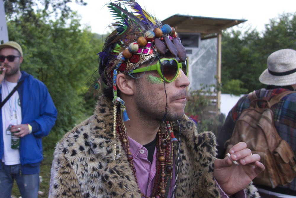 Фотопроект: Как британцы бегут от цивилизации на фестиваль в лесах Болгарии. Изображение № 17.
