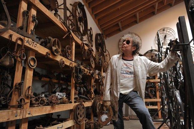 В Лондоне пройдет выставка металлических ворот, созданных Бобом Диланом. Изображение № 2.