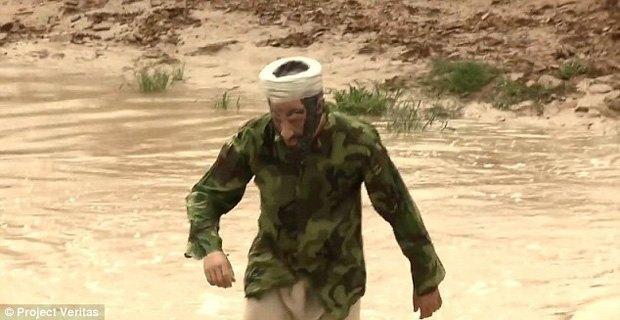 Журналист пересёк американскую границу в маске бен Ладена. Изображение № 1.