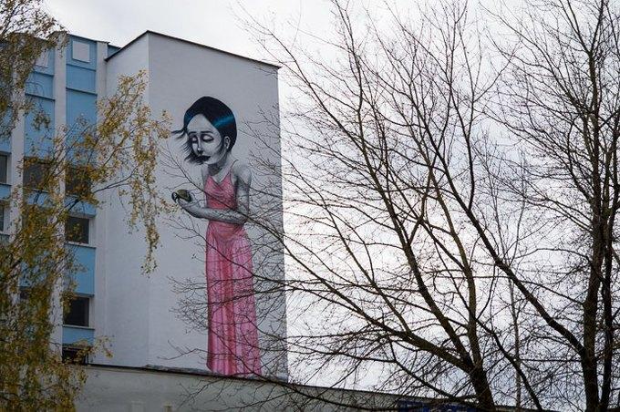 Граффити-художники Os Gemêos разрисуют городские стены Минска. Изображение № 7.