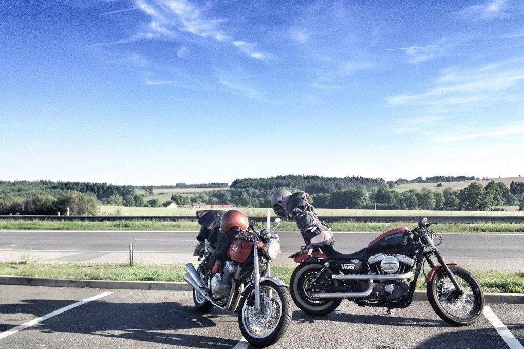 11 городов, аварии, мотоциклы и негритянка на баке: Рассказ о путешествии Easy Ride по Европе. Изображение № 6.