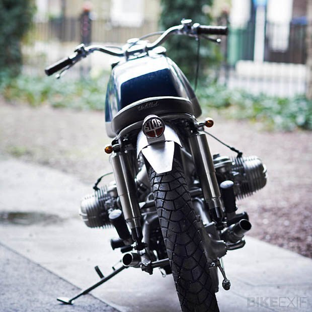 Лондонская мастерская Untitled Motorcycles представила новый кастом на базе BMW R100 RT. Изображение № 6.