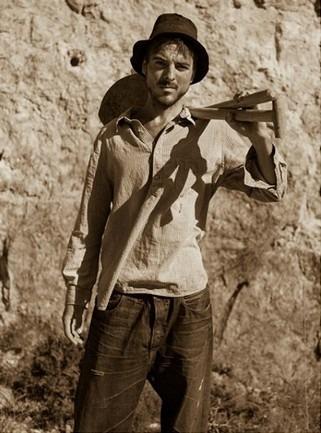 Марка Levi's Vintage Clothing опубликовала лукбук весенней коллекции одежды. Изображение № 10.