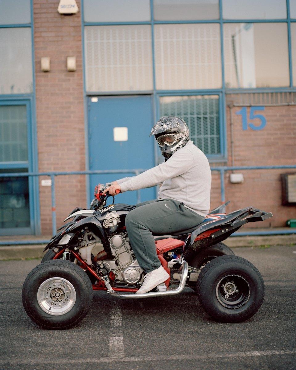Фотопроект: Лондонские гопники и их мотоциклы. Изображение № 26.