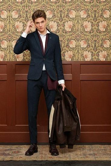 Марка Gant Rugger выпустила лукбук новой коллекции одежды своей линейки Holiday. Изображение № 4.