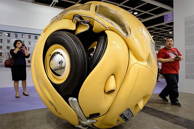 "Indonesian sculptor turned ""Volkswagen Beetle"" in a perfect sphere.  Picture number 1."