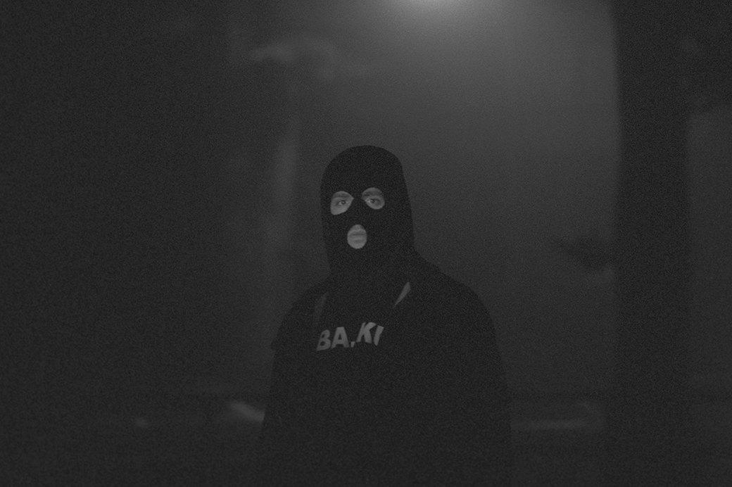 BA.KU.: Фотопроект о загадочной субкультуре канадских скейтеров-металлистов. Изображение № 13.