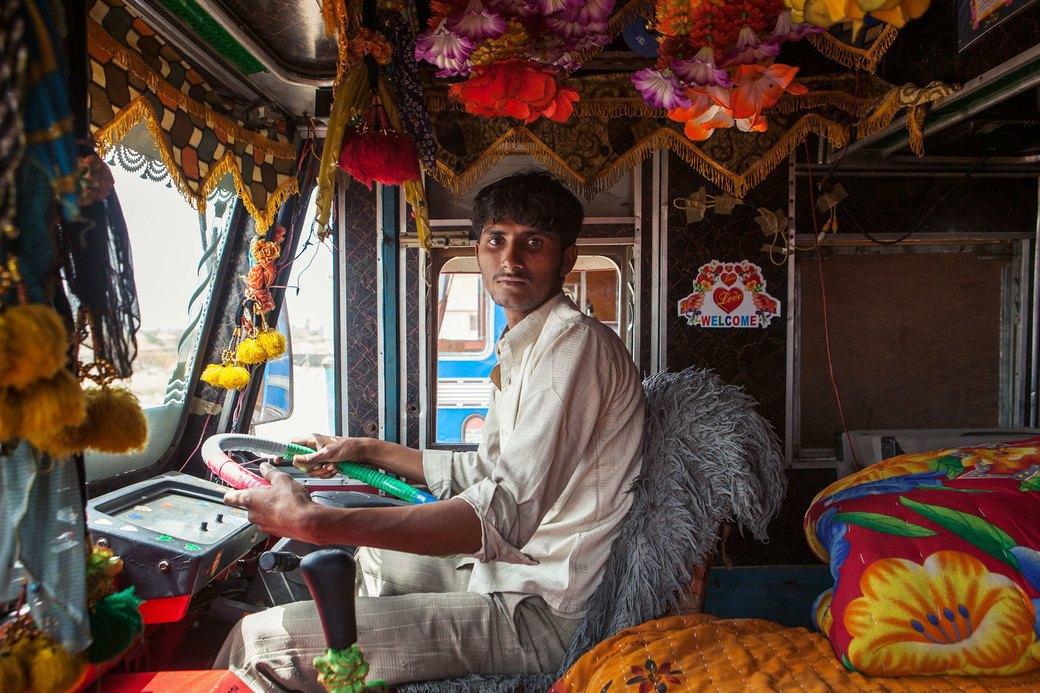 Я и друг мой грузовик: Индийские дальнобойщики и их автомобили. Изображение № 2.