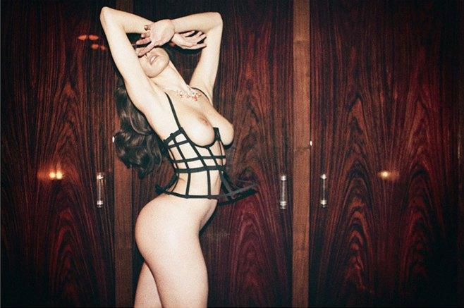 Чилийская модель Хамира Зулогада снялась в рекламе нижнего белья Mise en Cage. Изображение № 2.