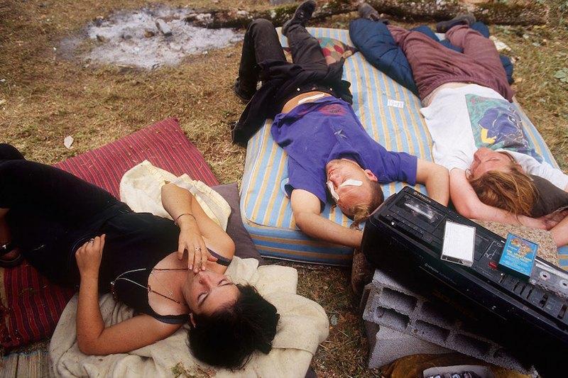 Бесконечное лето: Кочевая жизнь рейверов 1990-х. Изображение № 2.