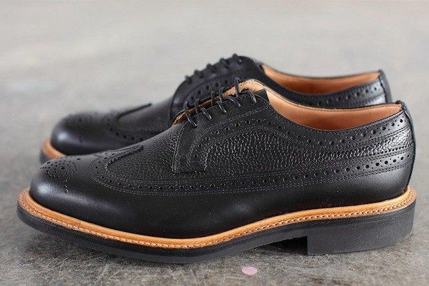 Дизайнер Марк МакНейри и петербургский магазин Mint выпустили совместную коллекцию обуви. Изображение № 3.