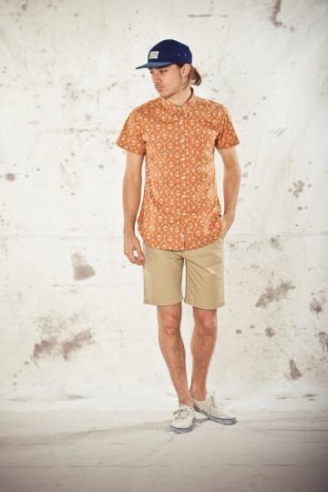 Марка Obey выпустила лукбук весенней коллекции одежды. Изображение № 1.